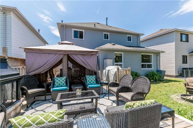 Detached at 45 Shakespeare Cres, Barrie, Ontario. Image 13