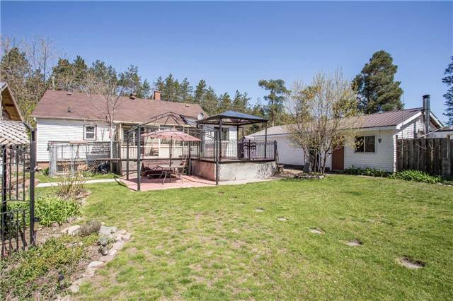 Detached at 1025 Snow Valley Rd, Springwater, Ontario. Image 8