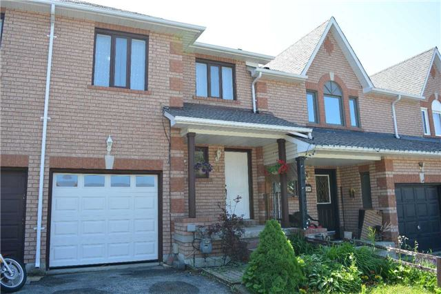Townhouse at 31 Brucker Rd, Barrie, Ontario. Image 1