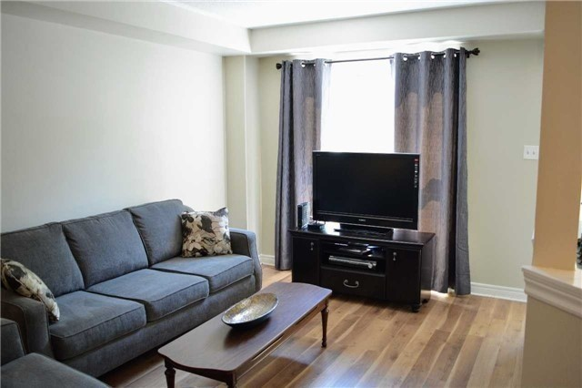 Townhouse at 31 Brucker Rd, Barrie, Ontario. Image 16