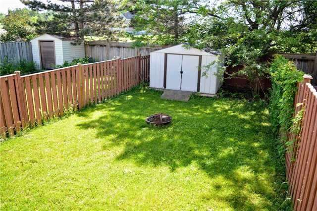 Townhouse at 31 Brucker Rd, Barrie, Ontario. Image 8