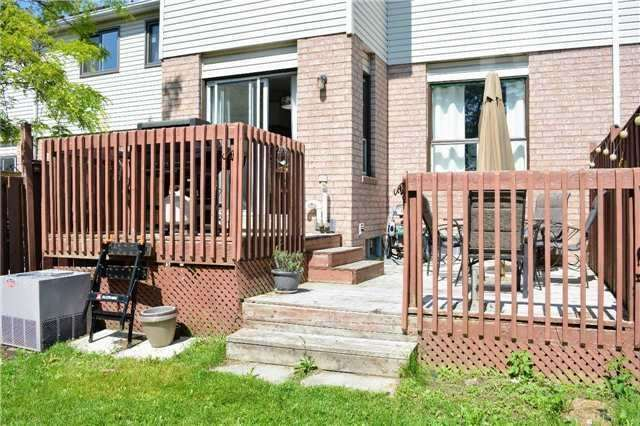 Townhouse at 31 Brucker Rd, Barrie, Ontario. Image 11