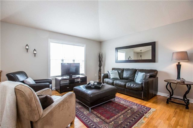 Detached at 60 Country Lane, Barrie, Ontario. Image 11