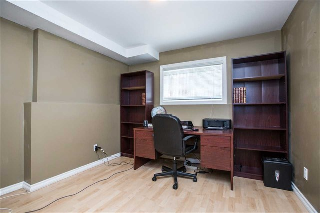 Detached at 60 Country Lane, Barrie, Ontario. Image 5