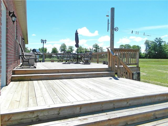 Detached at 1164 Glengarry Landing Rd S, Springwater, Ontario. Image 15