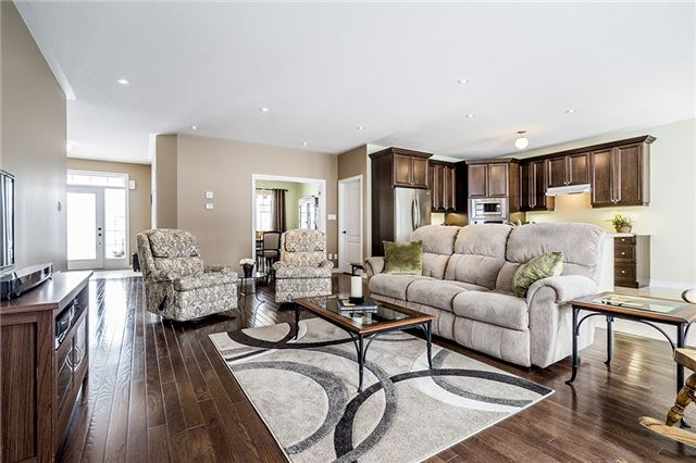 Detached at 28 Plowright Rd, Springwater, Ontario. Image 10