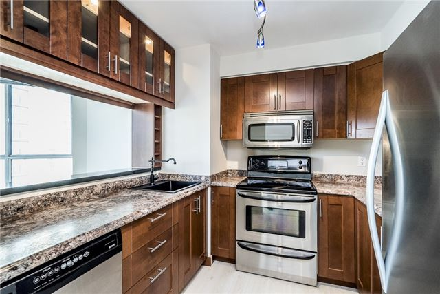 Condo Apartment at 140 Dunlop St E, Unit 811, Barrie, Ontario. Image 4