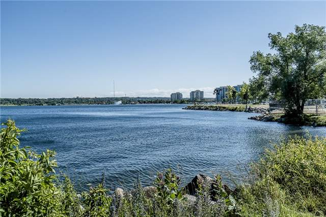 Condo Apartment at 140 Dunlop St E, Unit 811, Barrie, Ontario. Image 11