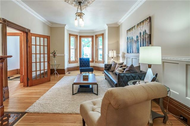 Detached at 22 Wellington St W, Barrie, Ontario. Image 18