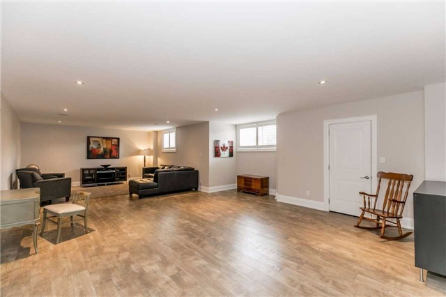 Detached at 18 Roy Hickling Dr, Springwater, Ontario. Image 5