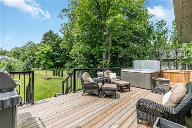 Detached at 18 Roy Hickling Dr, Springwater, Ontario. Image 9
