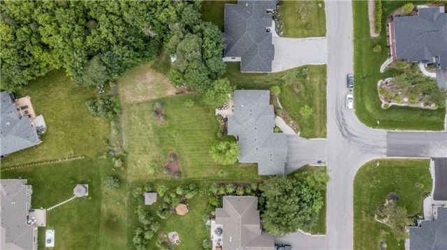 Detached at 18 Roy Hickling Dr, Springwater, Ontario. Image 13