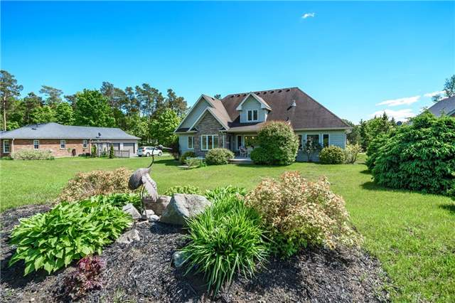 Detached at 7 Pod's Lane, Oro-Medonte, Ontario. Image 12