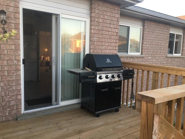 Detached at 155 Hanmer St, Barrie, Ontario. Image 2