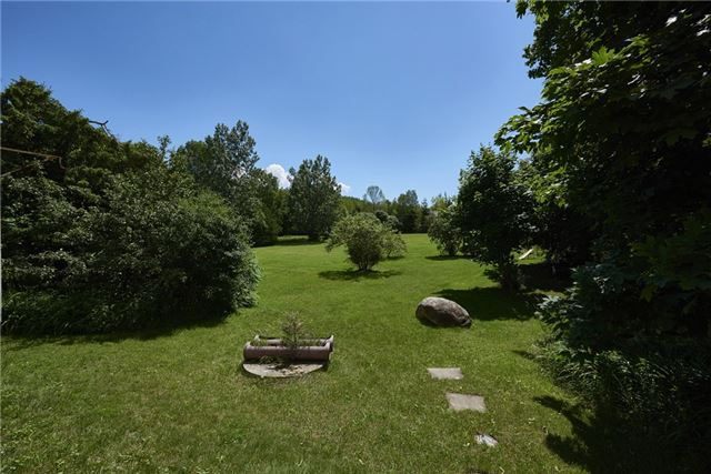Detached at 2925 Old Barrie Rd E, Severn, Ontario. Image 13