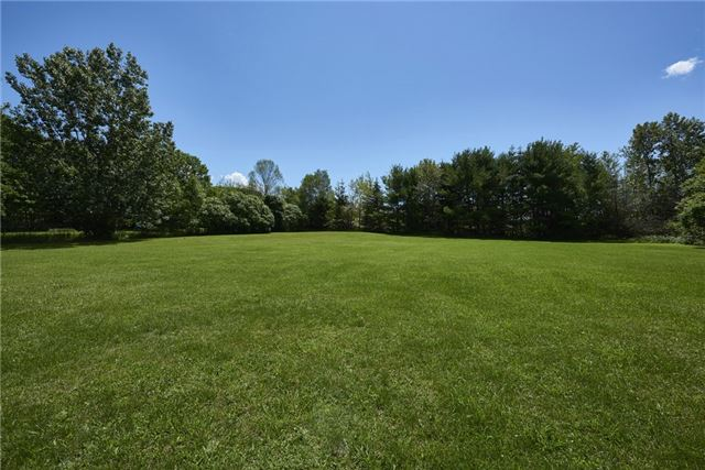 Detached at 2925 Old Barrie Rd E, Severn, Ontario. Image 15