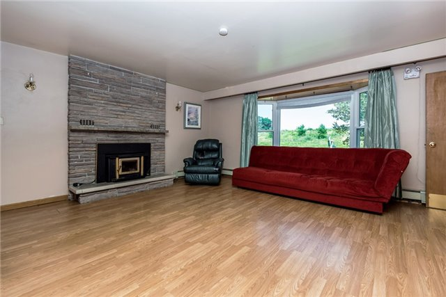 Detached at 2925 Old Barrie Rd E, Severn, Ontario. Image 2