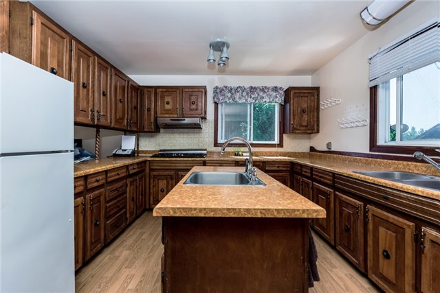 Detached at 2925 Old Barrie Rd E, Severn, Ontario. Image 4
