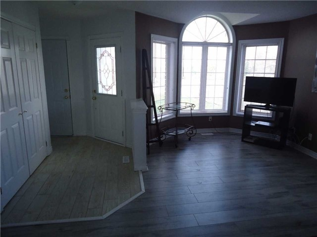 Detached at 1 Logan Crt, Barrie, Ontario. Image 12