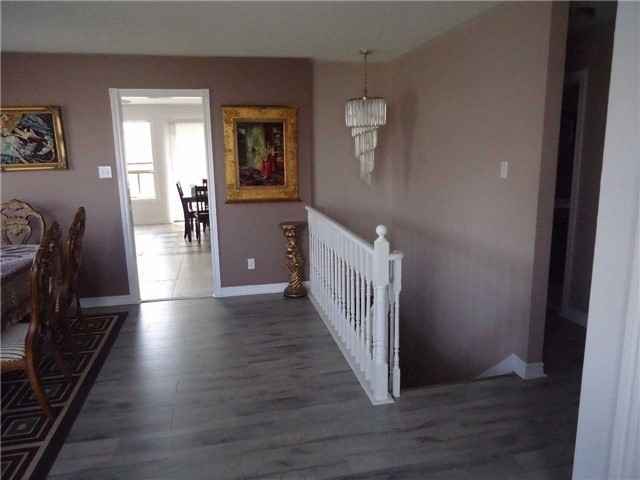 Detached at 1 Logan Crt, Barrie, Ontario. Image 13