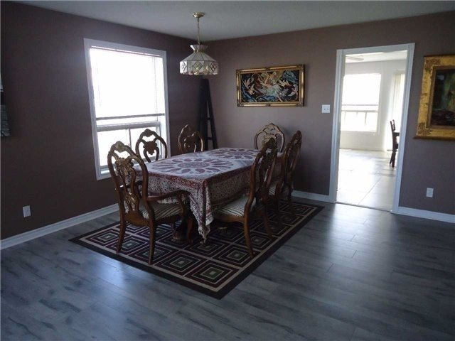 Detached at 1 Logan Crt, Barrie, Ontario. Image 15