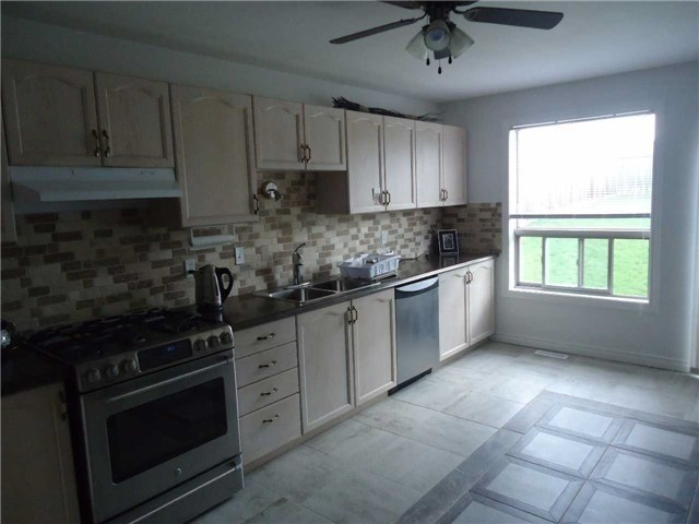 Detached at 1 Logan Crt, Barrie, Ontario. Image 16