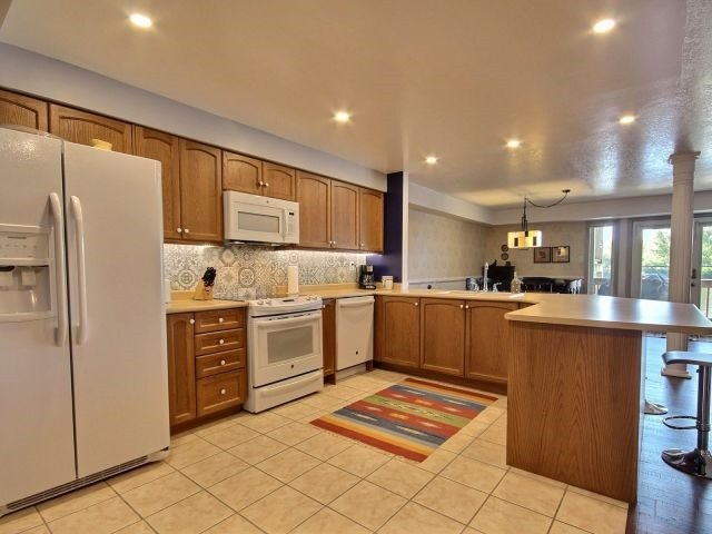 Condo Apartment at 194 River Rd E, Unit 1B, Wasaga Beach, Ontario. Image 7