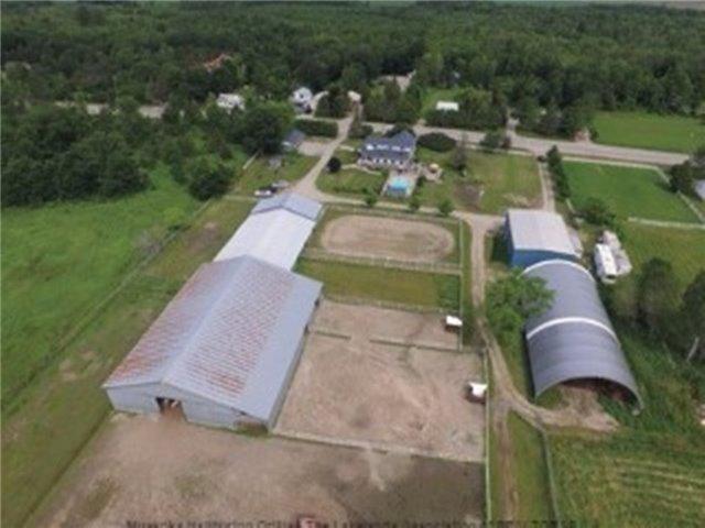 Farm at 1267 Upper Big Chute Rd, Severn, Ontario. Image 1