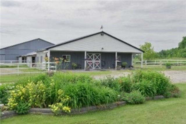 Farm at 1267 Upper Big Chute Rd, Severn, Ontario. Image 14