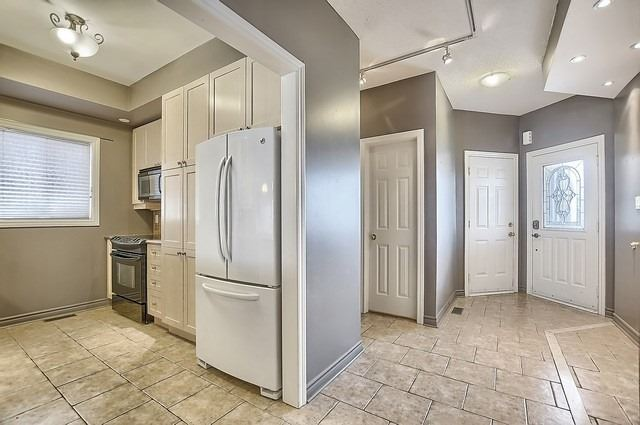 Detached at 147 Raymond Cres, Barrie, Ontario. Image 16