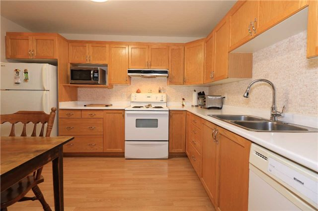 Condo Apartment at 166 Owen St, Unit 104, Barrie, Ontario. Image 18