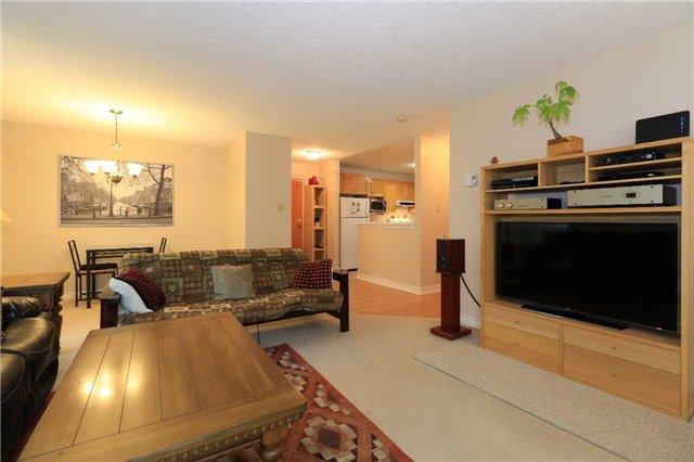 Condo Apartment at 166 Owen St, Unit 104, Barrie, Ontario. Image 9
