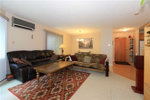 Condo Apartment at 166 Owen St, Unit 104, Barrie, Ontario. Image 10