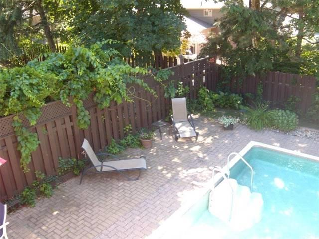 Detached at 54 Marshall St, Barrie, Ontario. Image 5