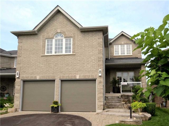 Detached at 69 Mcintyre Dr, Barrie, Ontario. Image 1