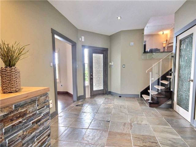 Detached at 69 Mcintyre Dr, Barrie, Ontario. Image 10