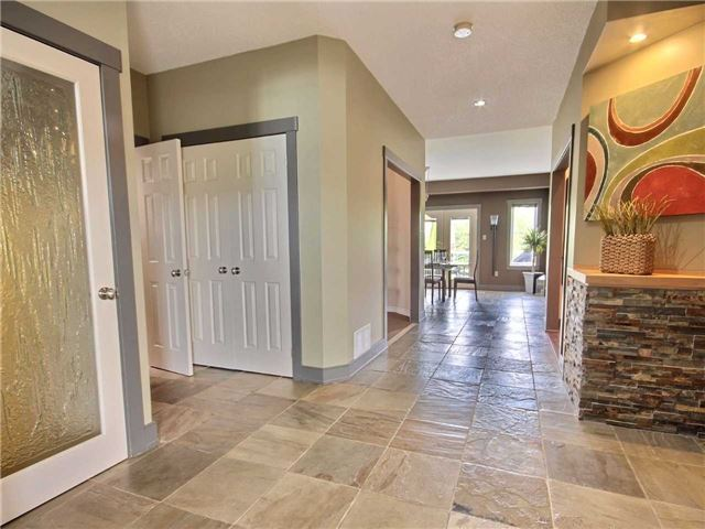 Detached at 69 Mcintyre Dr, Barrie, Ontario. Image 12