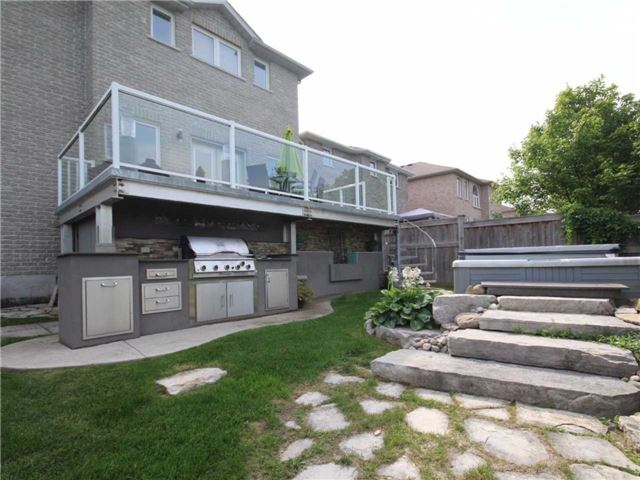 Detached at 69 Mcintyre Dr, Barrie, Ontario. Image 11