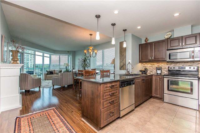 Condo Apartment at 37 Ellen St, Unit 401, Barrie, Ontario. Image 16