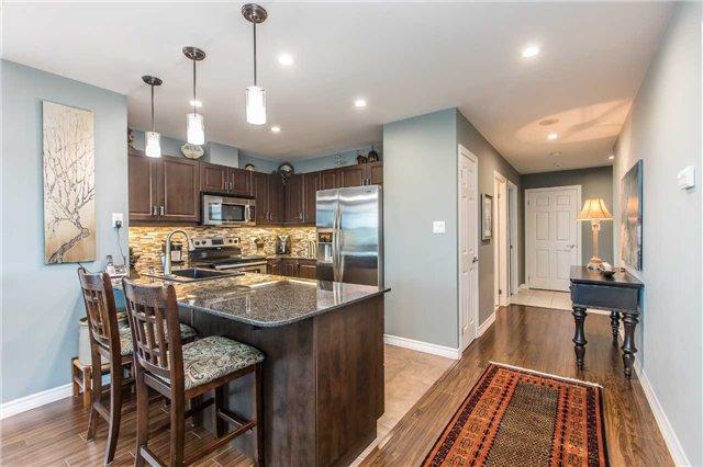 Condo Apartment at 37 Ellen St, Unit 401, Barrie, Ontario. Image 17