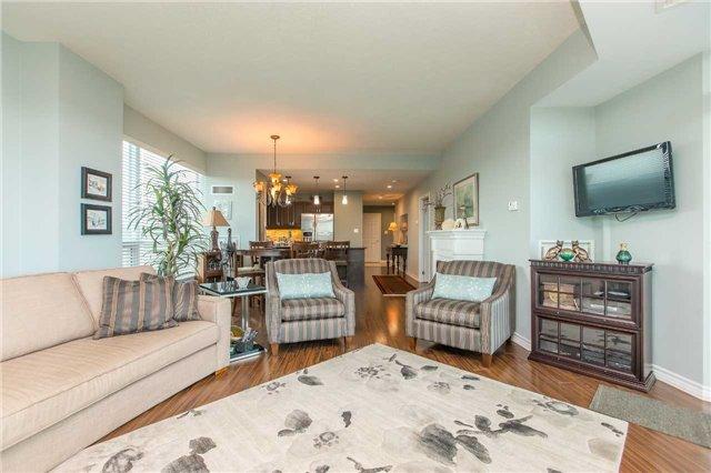 Condo Apartment at 37 Ellen St, Unit 401, Barrie, Ontario. Image 2