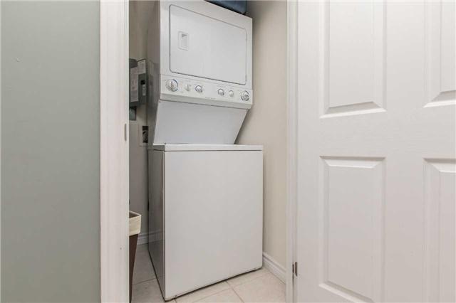 Condo Apartment at 37 Ellen St, Unit 401, Barrie, Ontario. Image 11
