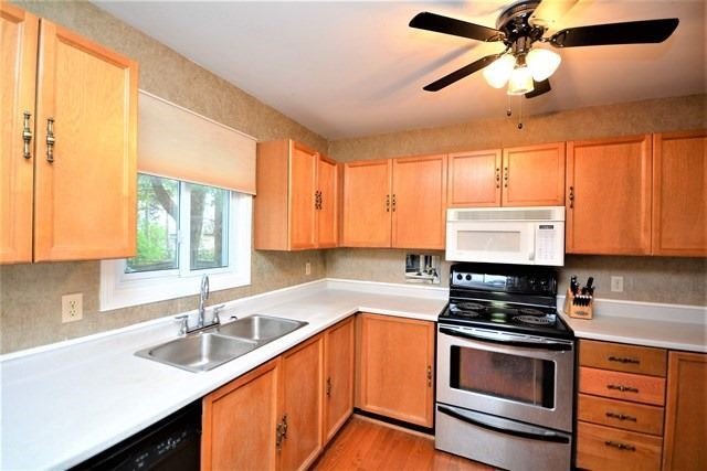 Detached at 59 Shakespeare Cres, Barrie, Ontario. Image 19