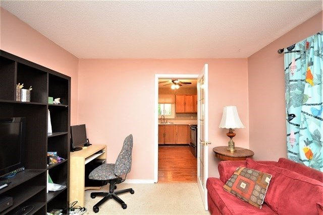 Detached at 59 Shakespeare Cres, Barrie, Ontario. Image 2