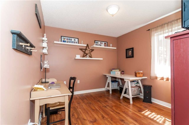 Detached at 287 Cox Mill Rd, Barrie, Ontario. Image 4