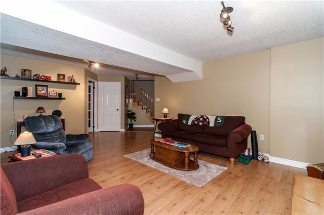 Detached at 287 Cox Mill Rd, Barrie, Ontario. Image 6