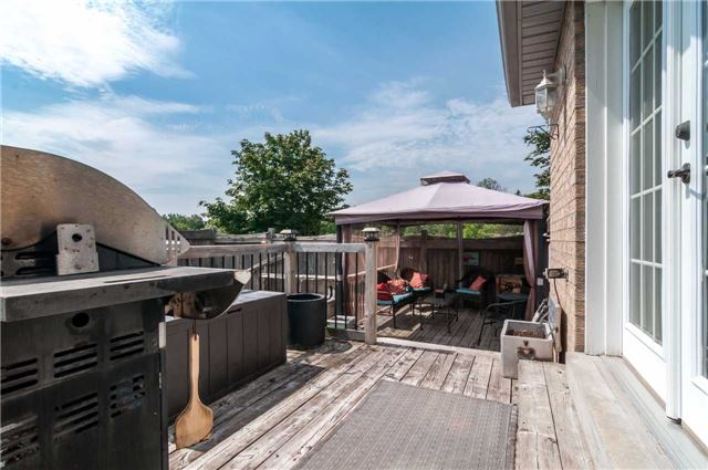 Detached at 287 Cox Mill Rd, Barrie, Ontario. Image 11