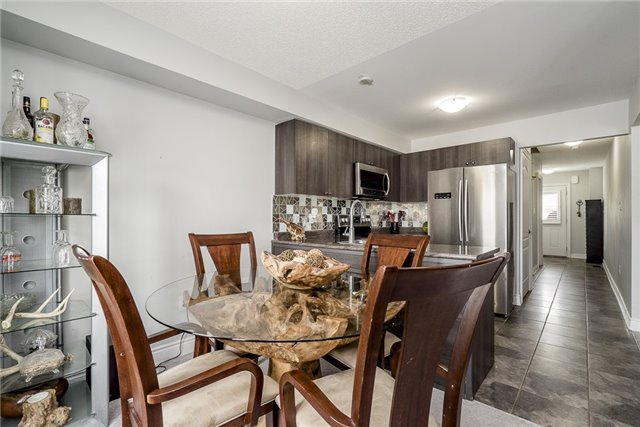 Condo Townhouse at 41 Madelaine Dr, Unit 3, Barrie, Ontario. Image 8