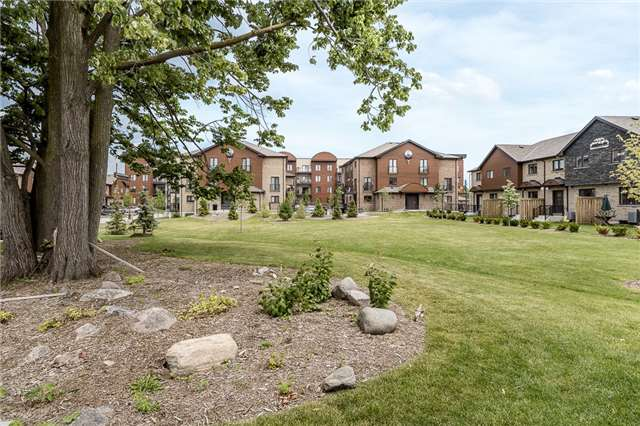 Condo Townhouse at 41 Madelaine Dr, Unit 3, Barrie, Ontario. Image 6