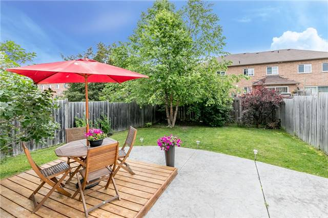 Semi-detached at 35 Epsom Rd, Barrie, Ontario. Image 12